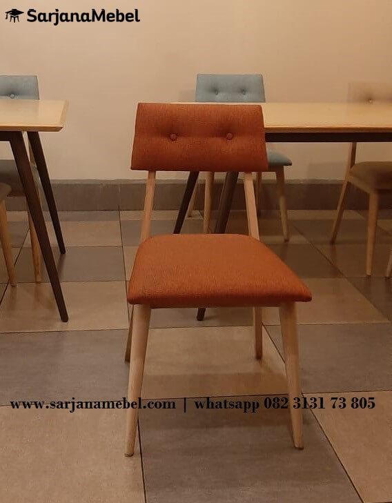 Kursi Cafe Retro Natural Kayu Sungkai